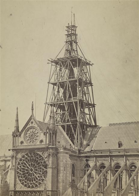 Notre Dame la flèche en construction